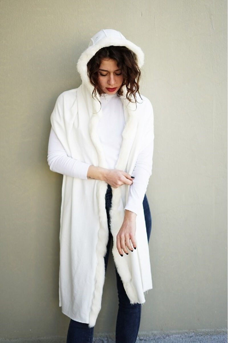 #7001 Πασμίνα βαμβακερή με κουκούλα πλαισιωμένη με Fox γούνα